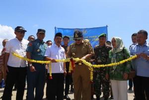 Gubernur Arinal Panen Perdana Keramba Apung Hasil Budidaya Polinela