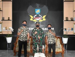 Komandan Korem 043/Gatam Terima 2 Anggota Pramuka Luar Biasa